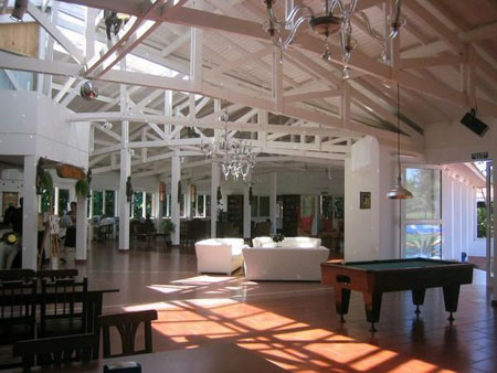 The Hostel-Inn Iguazu Lobby and Inside