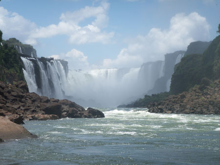 Iguazu falls from further back