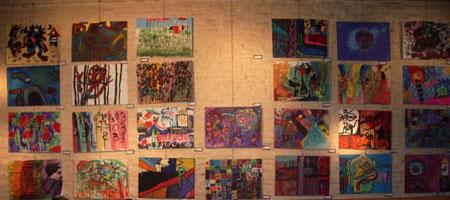 El Taller Bar - the art wall