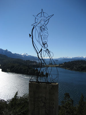 Sculpture on a lookout over the lakes of El Circuito Chico, Bariloche.